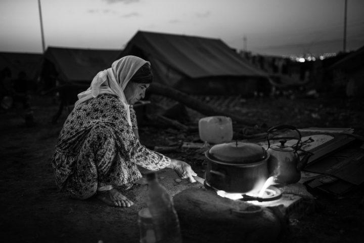 Dal confine. Tra Siria e Turchia nelle fotografie di Giulio Magnifico.